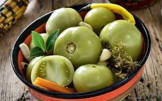 Как мариновать зеленые помидоры — вкусные рецепты с чесноком и зеленью, на зиму, как в магазине в советское время аж пальчики оближешь