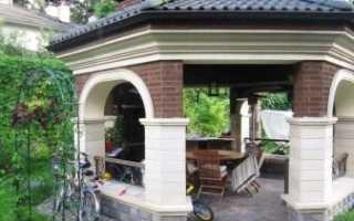 Беседка из кирпича (70 фото): закрытые кирпичные постройки с мангалом, обустройство на даче просто и красиво, оригинальный декор внутри и снаружи